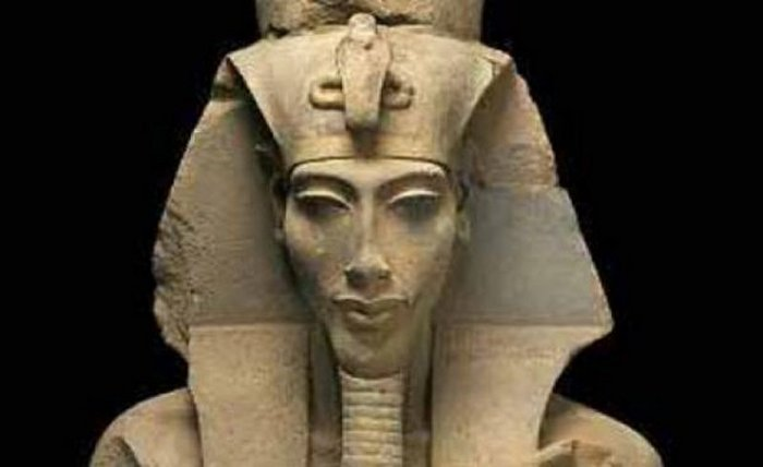 akhenaten17