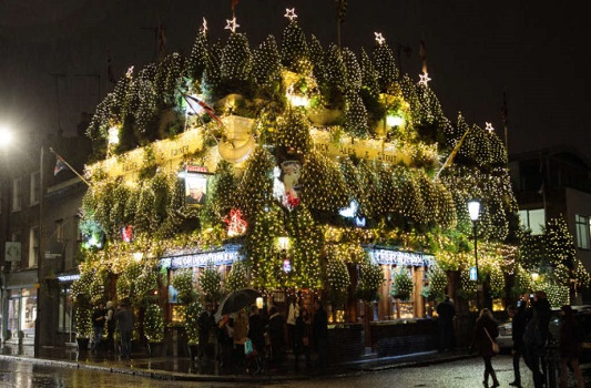 Kensington's The Churchill Arms Lights Up For Christmas